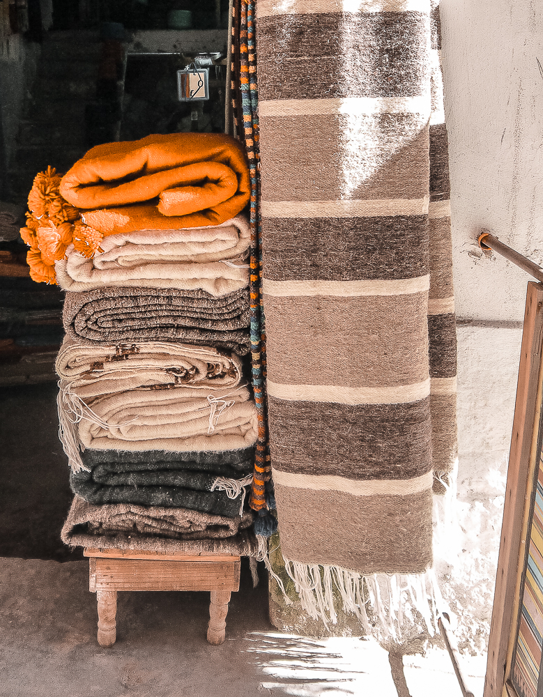 Want to go rug shopping in Essaouira? We've got a guide for you!