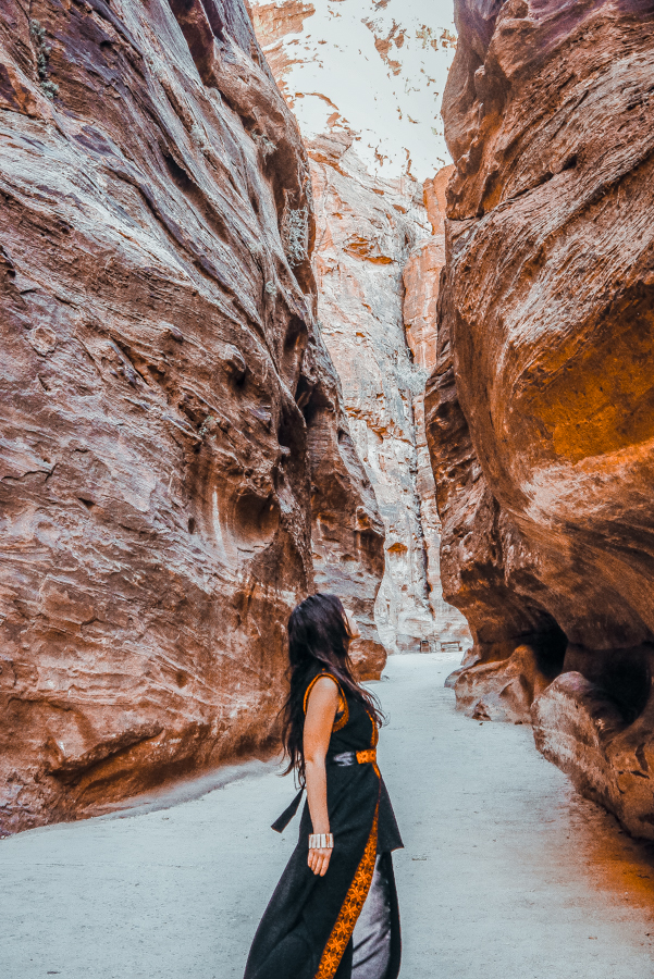 Petra in a Day: Walking amid the gorge that leads to the Treasury