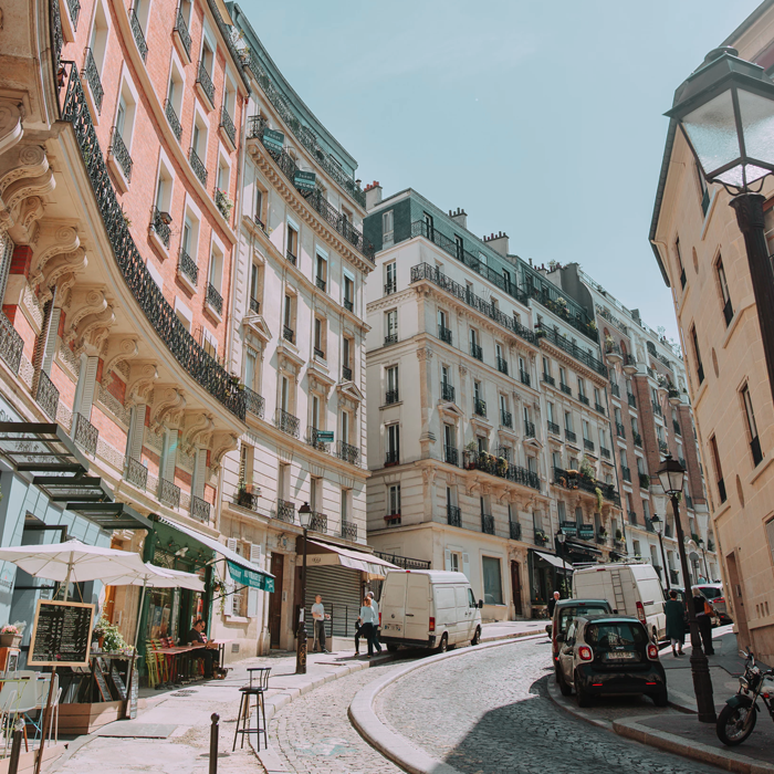 Confessions of a thrift shop addict: A guide to thrift shopping in Paris, from designer items to vintage coats, you'll find it all here!