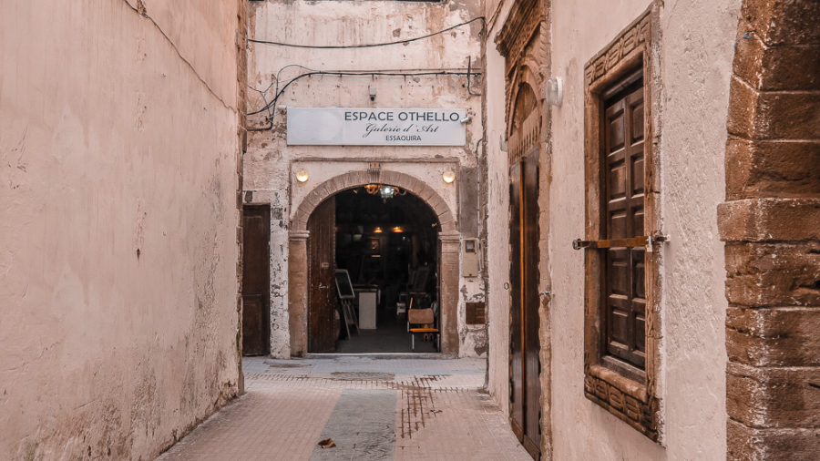 Visiting art galleries in a must when in Essaouira, but there are also other fun things to do there as well! In this guide, you'll find my favorite things to do in Essaouira as well as tips on where to stay and what to pack