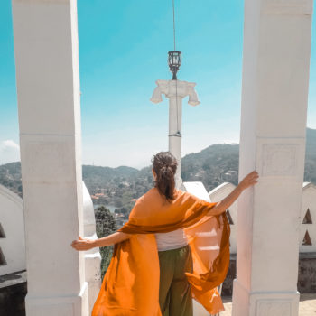 The best views of Kandy are found high up a hill where an important temple stands. Visiting this place was one of my favorite things to do in Kandy, Sri Lanka-