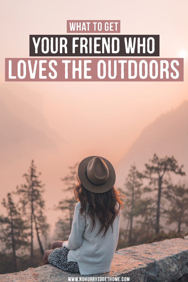 Wondering what to gift your friends who loves the outdoors? Whether it's winter sports, camping, hiking, trekking, or pretty much any outdoors-y activity, we've got the ultimate gift guide for people who love the outdoors right here! From camping utensils to perfect gifts for hikers, this gift guide has it all! #Christmas #GiftGuide #Outdoors #Camping #Hiking