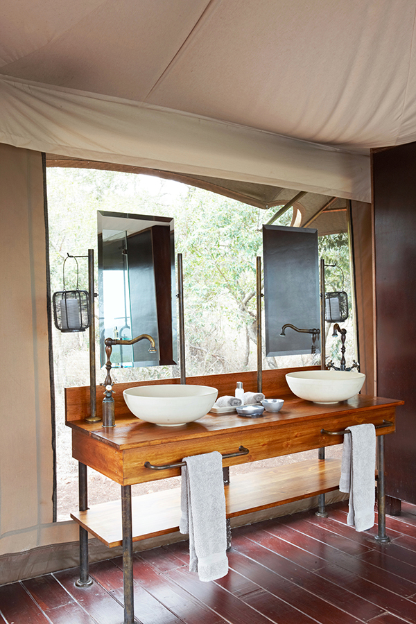 Tented Camp at Thanda Safari bathroom